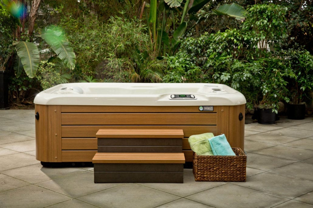 Hot Spring Spas Jettsetter LX Townley Pool And Spa